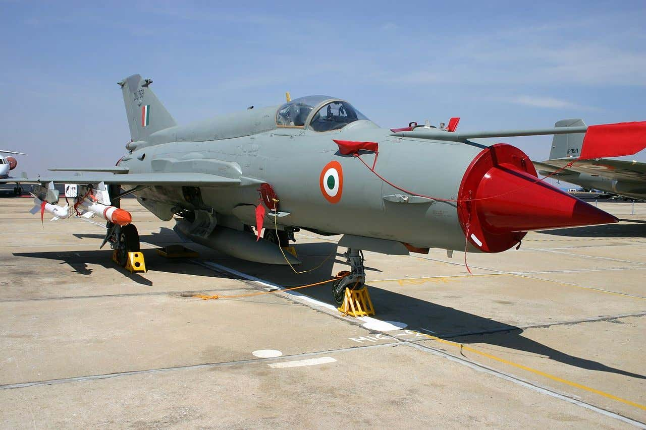 message-editor%2F1552338453698-1280px-cu2769_mikoyan_mig-21_indian_air_force_8413513629.jpg