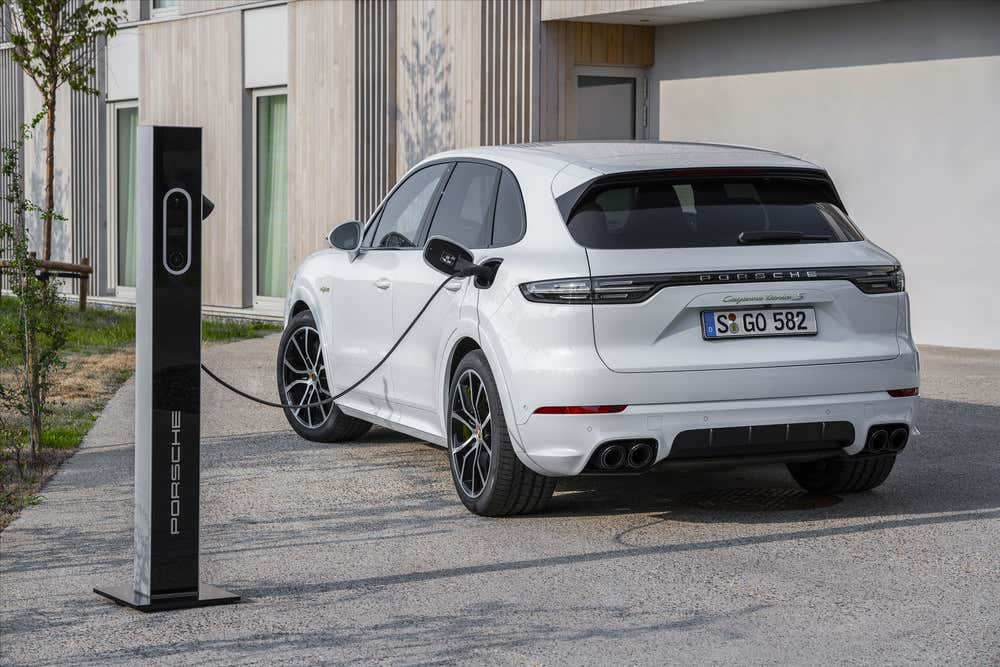 2020 Porsche Cayenne Turbo S E Hybrid What You Must Know About Porsche S Most Powerful Suv The Drive