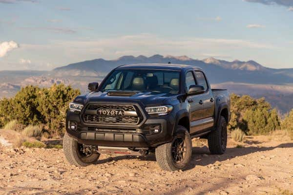 The 2020 Toyota Tacoma Is An Old-school Pickup Learning New Tech Tricks
