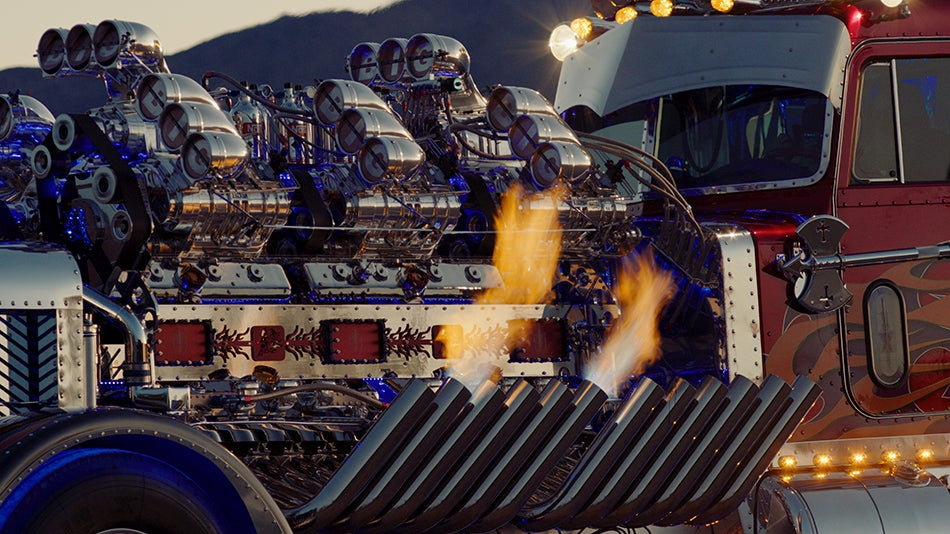 3 424 Hp Thor24 Semi Truck With Twin V 12 Engines 12 Superchargers Sells For 12 000 000