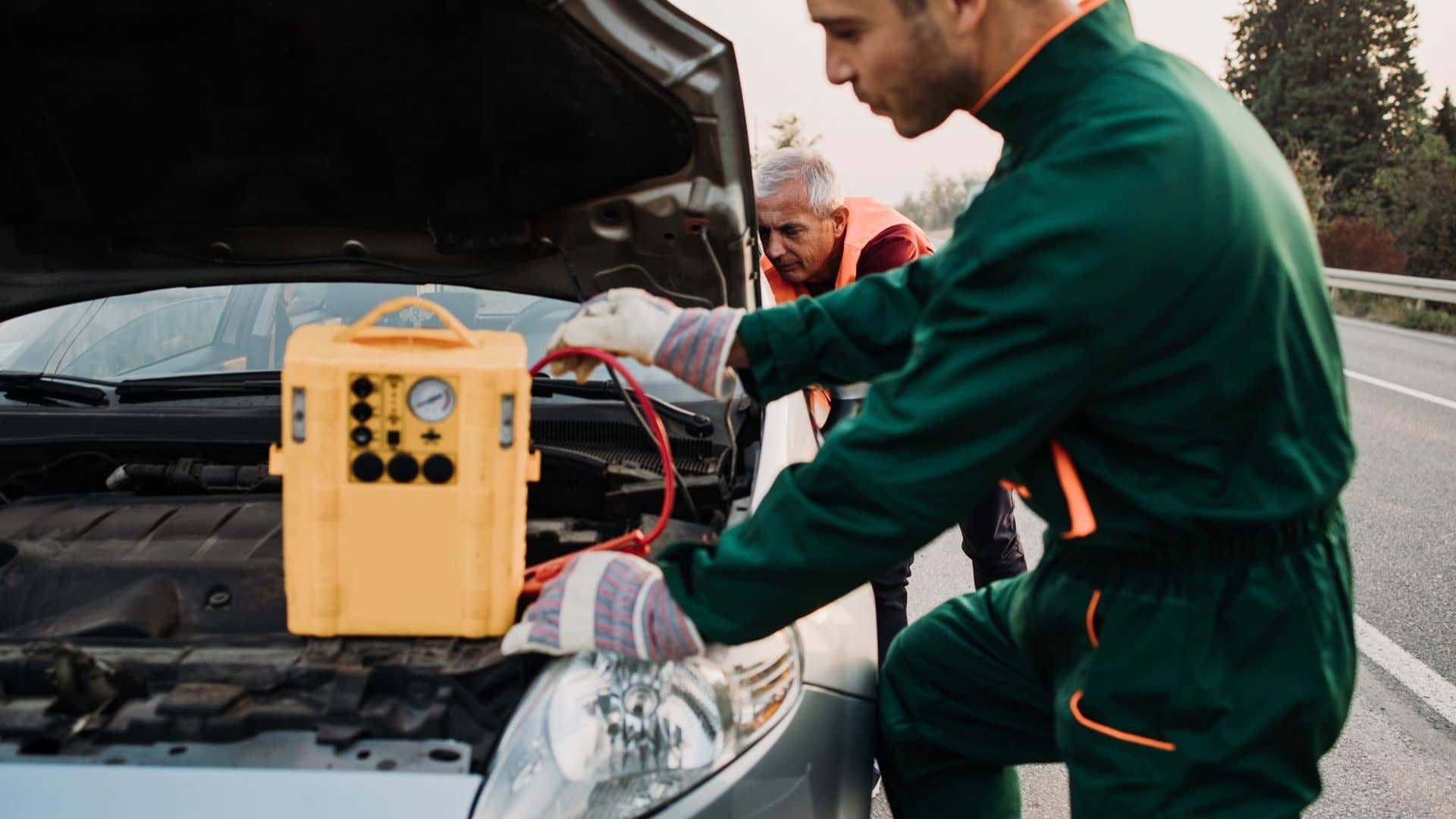 How To Start A Car With A Dead Battery Without Another Car