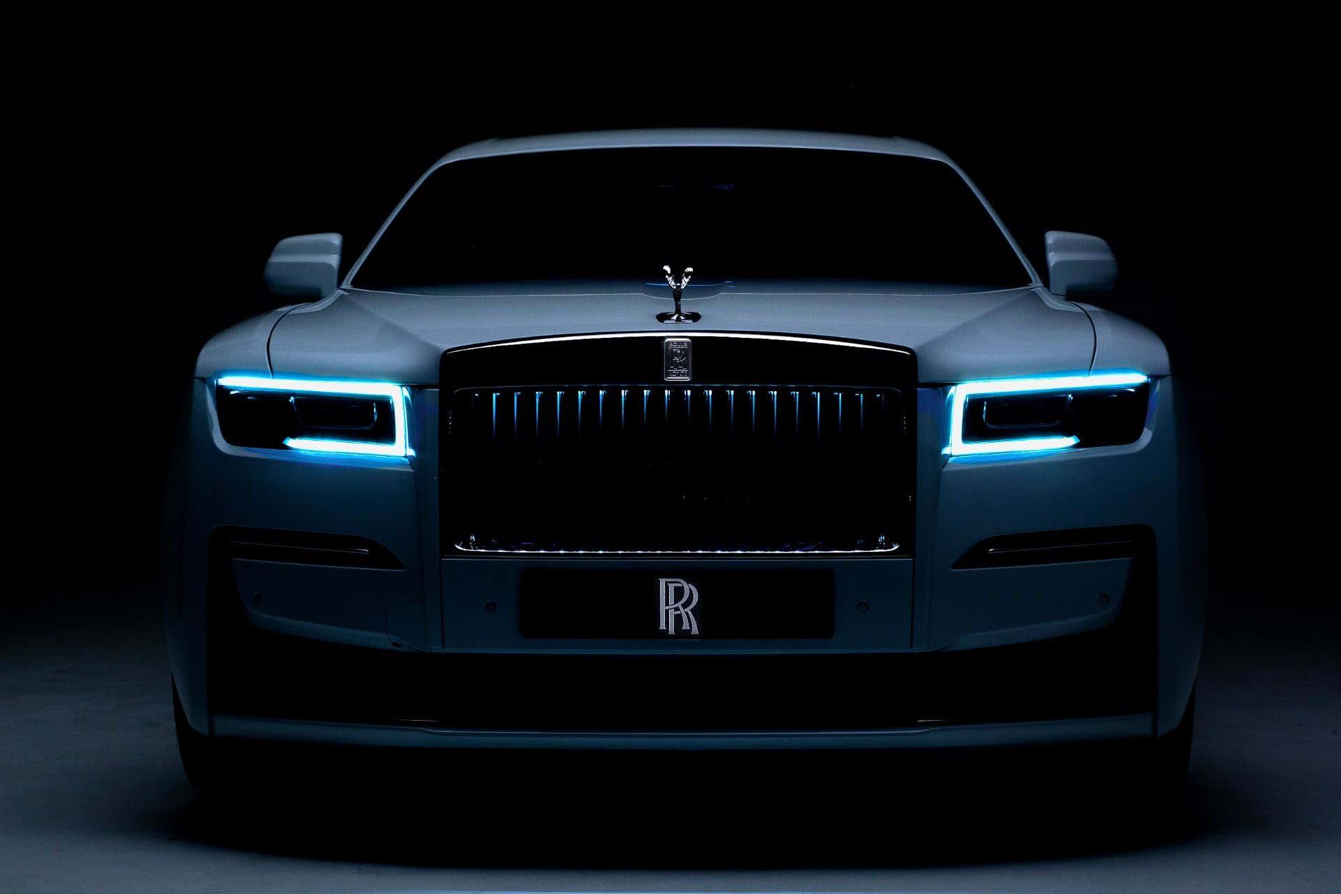 The 2021 Rolls-Royce Ghost Is a V12 Minimalist Luxury ...