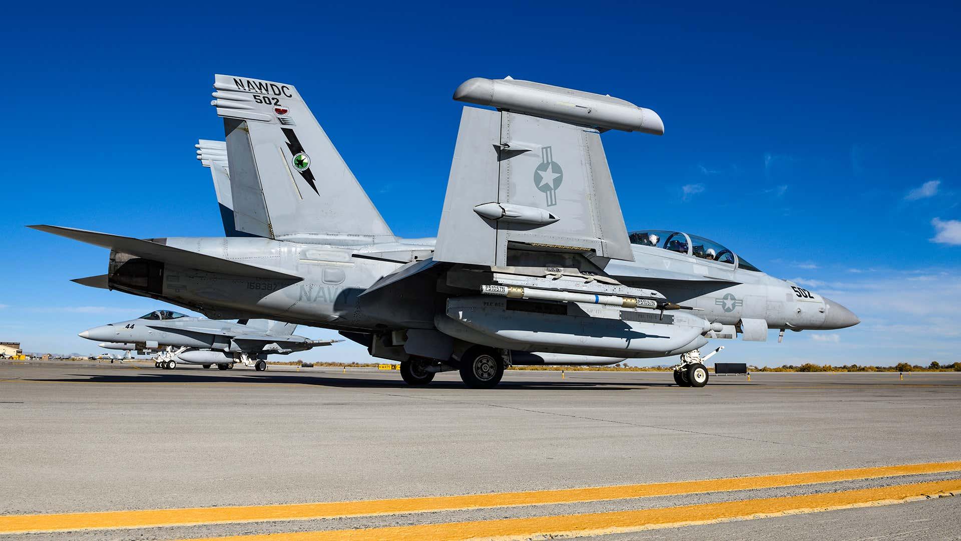 U.S. Navy E/A-18G Growler • Carrier-Based Electronic Warfare Aircraft • Checkered Flag 21-2