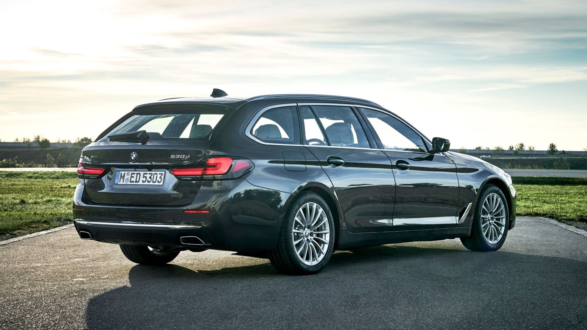 The Best Looking New Bmw Is The 2021 5 Series Touring The Drive