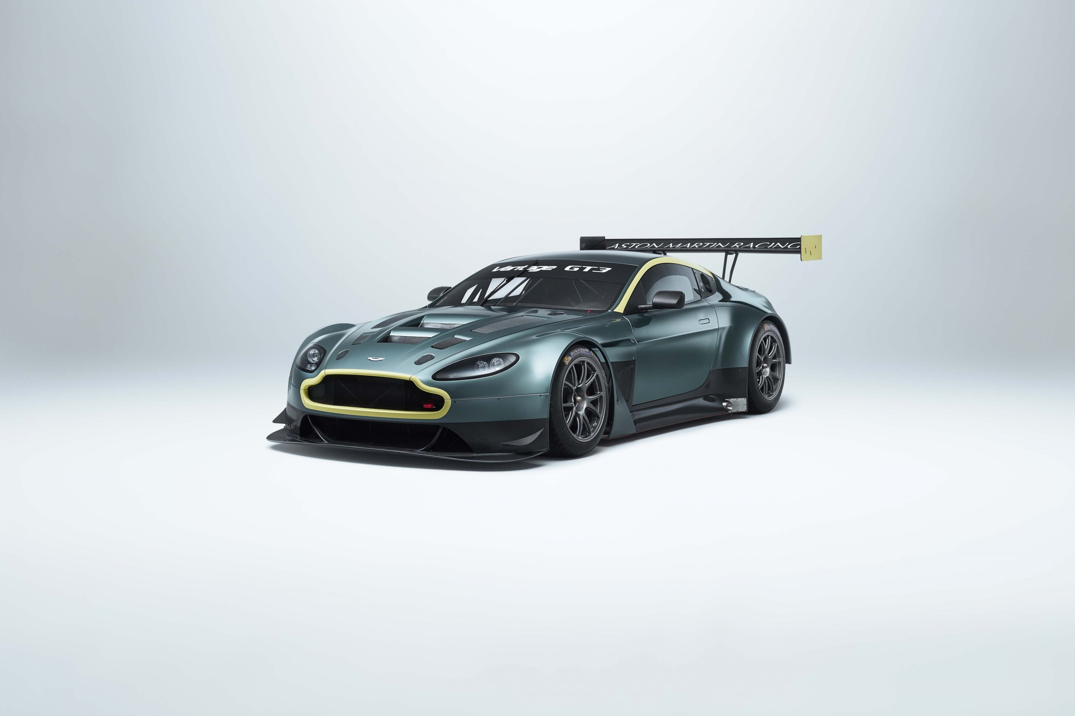You Can Buy The Final Previous Gen Aston Martin Vantage Gte Gt3 Gt4 Race Cars As A Package Deal