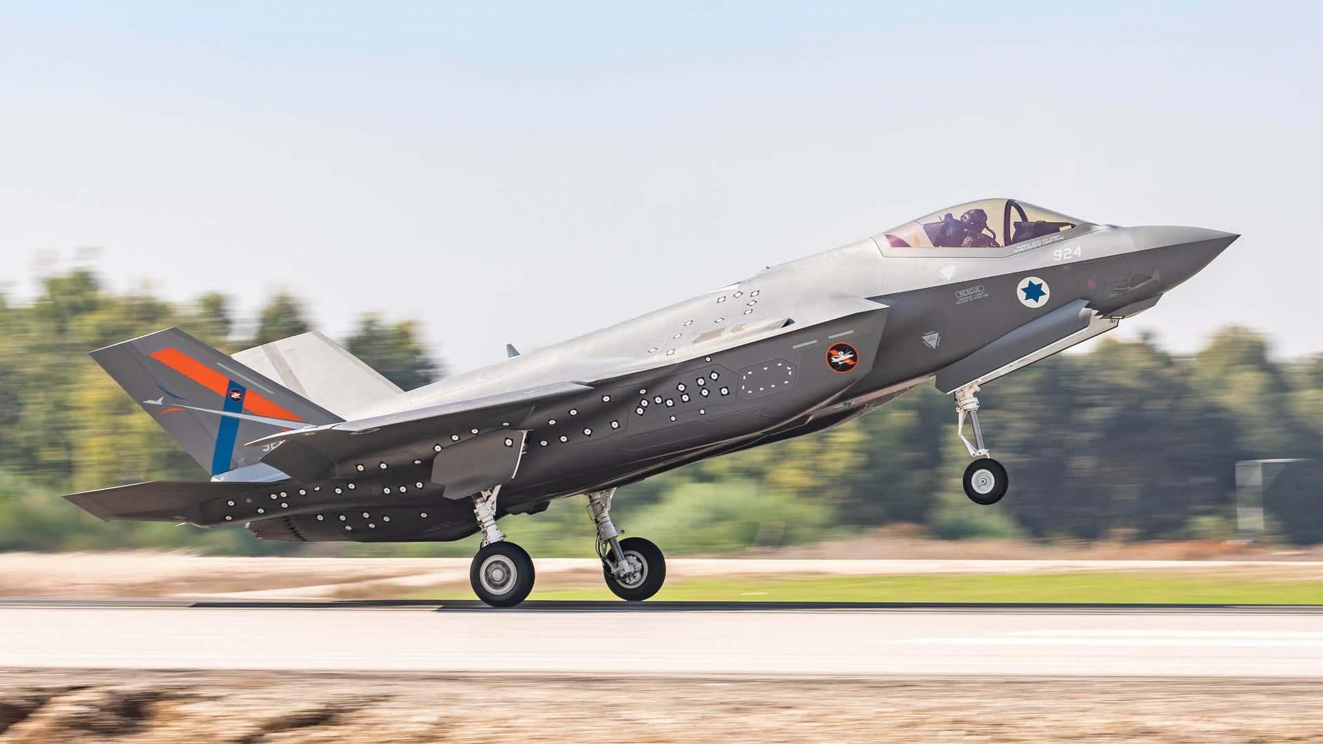 Официально: заправщики KC-46 и другие F-35 для Израиля, но пока никаких усовершенствованных F-15