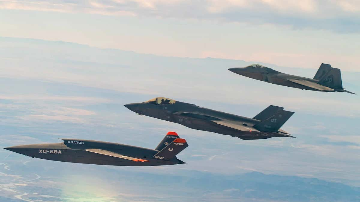 F-22 And F-35 Datalinks Finally Talk Freely With Each Other Thanks To A U-2 Flying Translator