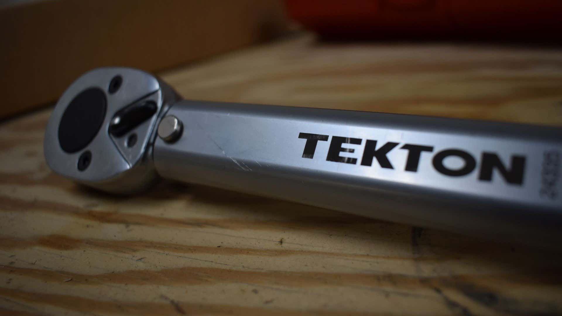 The head of the Tekton torque wrench.