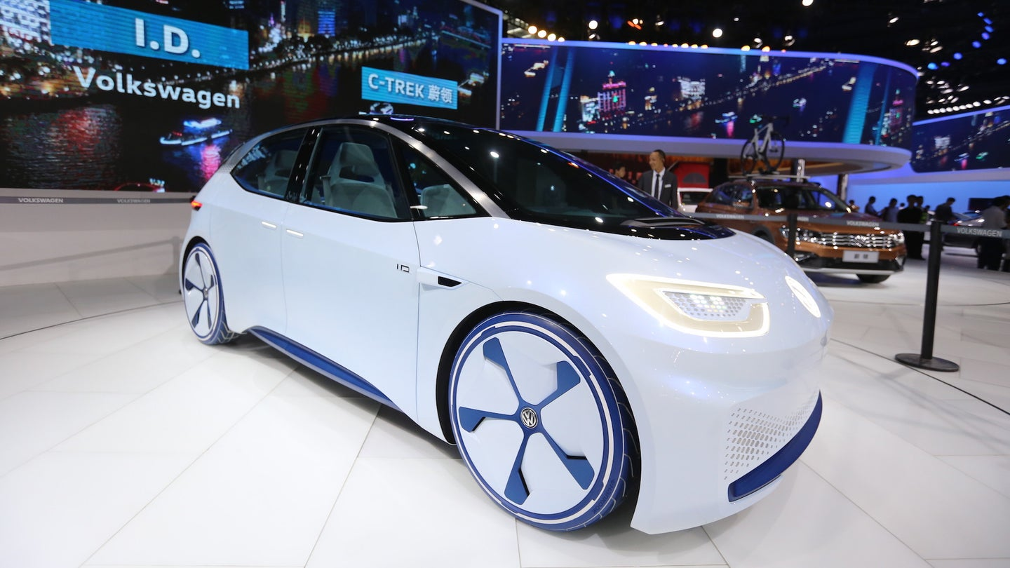 New energy cars power up Guangzhou Auto Show