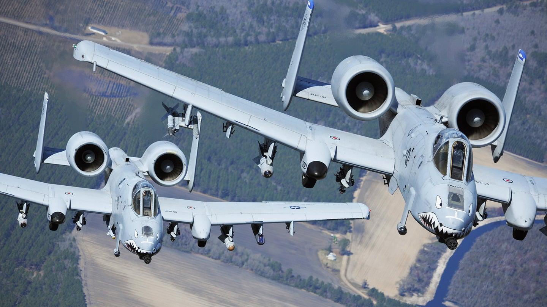 Notas curiosas:La Fuerza Aérea de EE. UU. Casi alquila un escuadrón de Warthogs A-10 a Colombia - Página 2 Ljadj5251