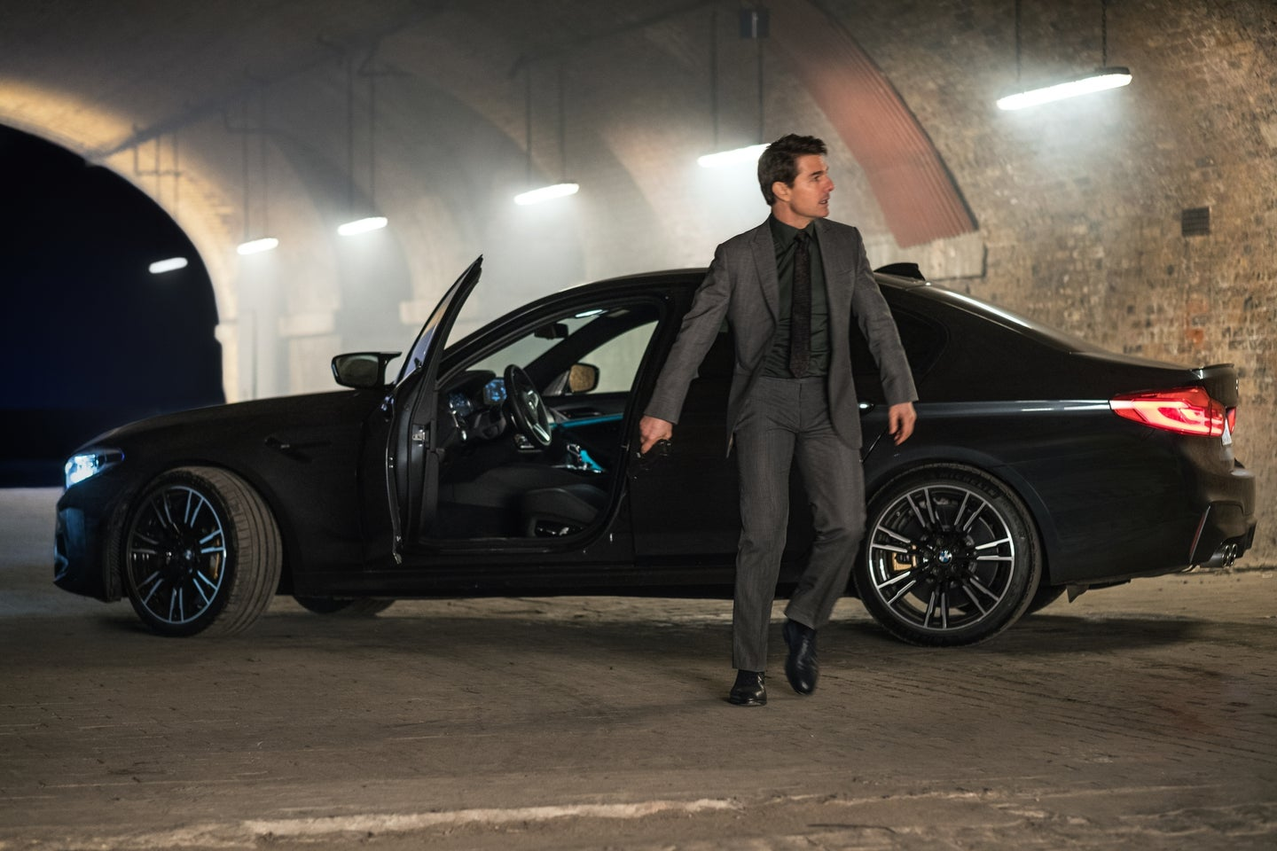 Tom Cruise Drives a BMW M5 in Mission Impossible – Fallout - Ethan Hunt With The BMW M5