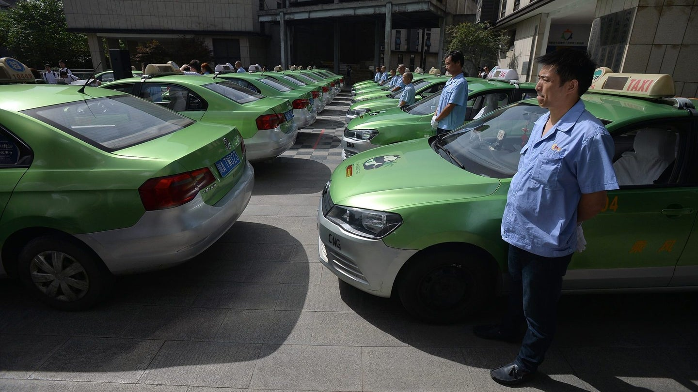 Chengdu Taxi Provides Free Ride Service For Examinees
