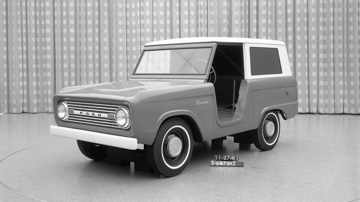 Early Bronco Clay
