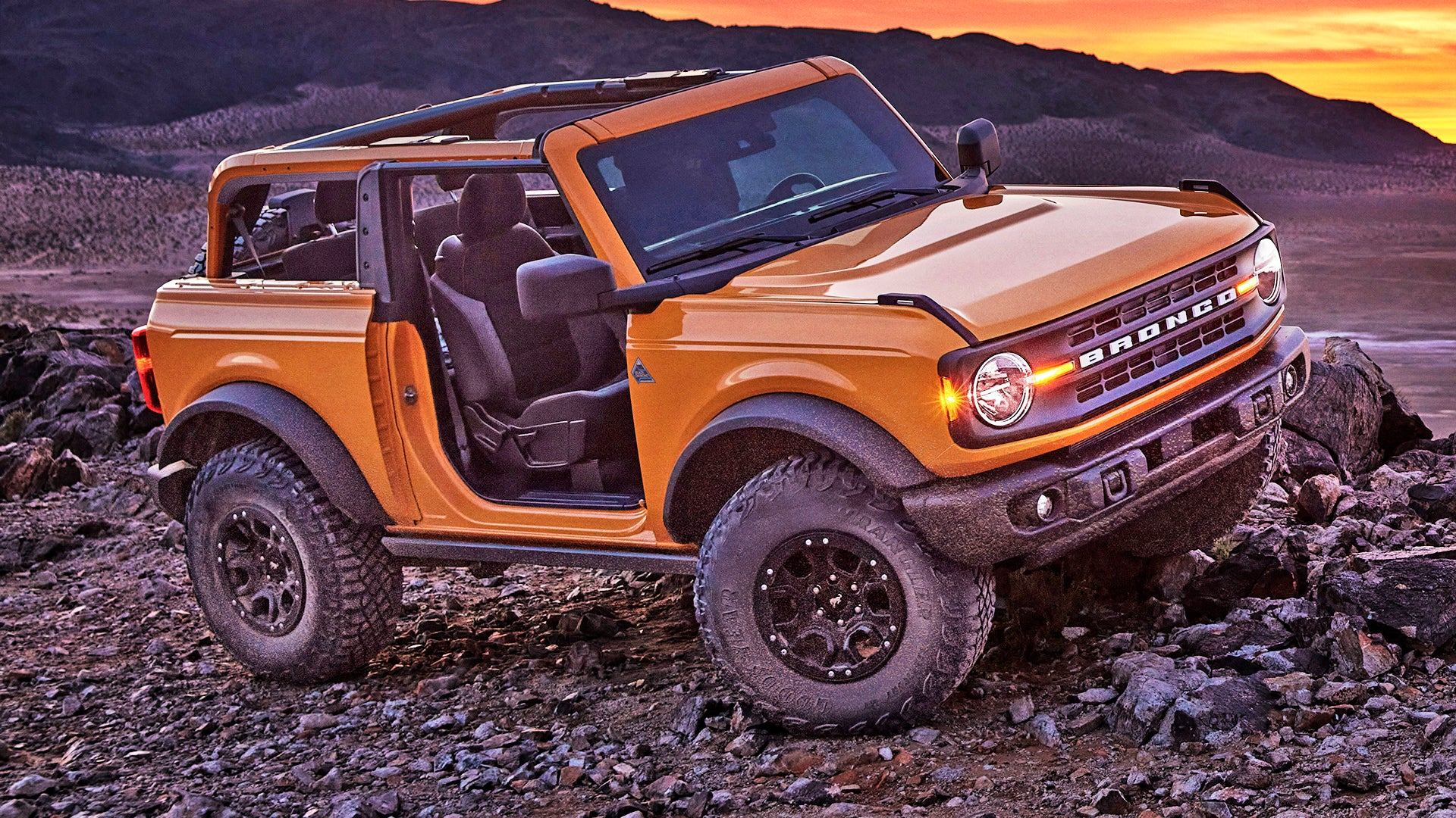 2021 ford bronco an offroad legend returns at 29995