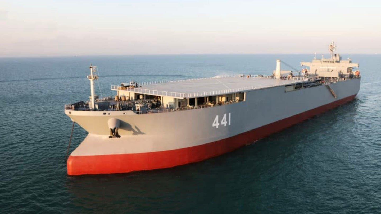 [Imagen: Iran-forward-base-ship-Makran-TOPSHOT.jp...quality=70]