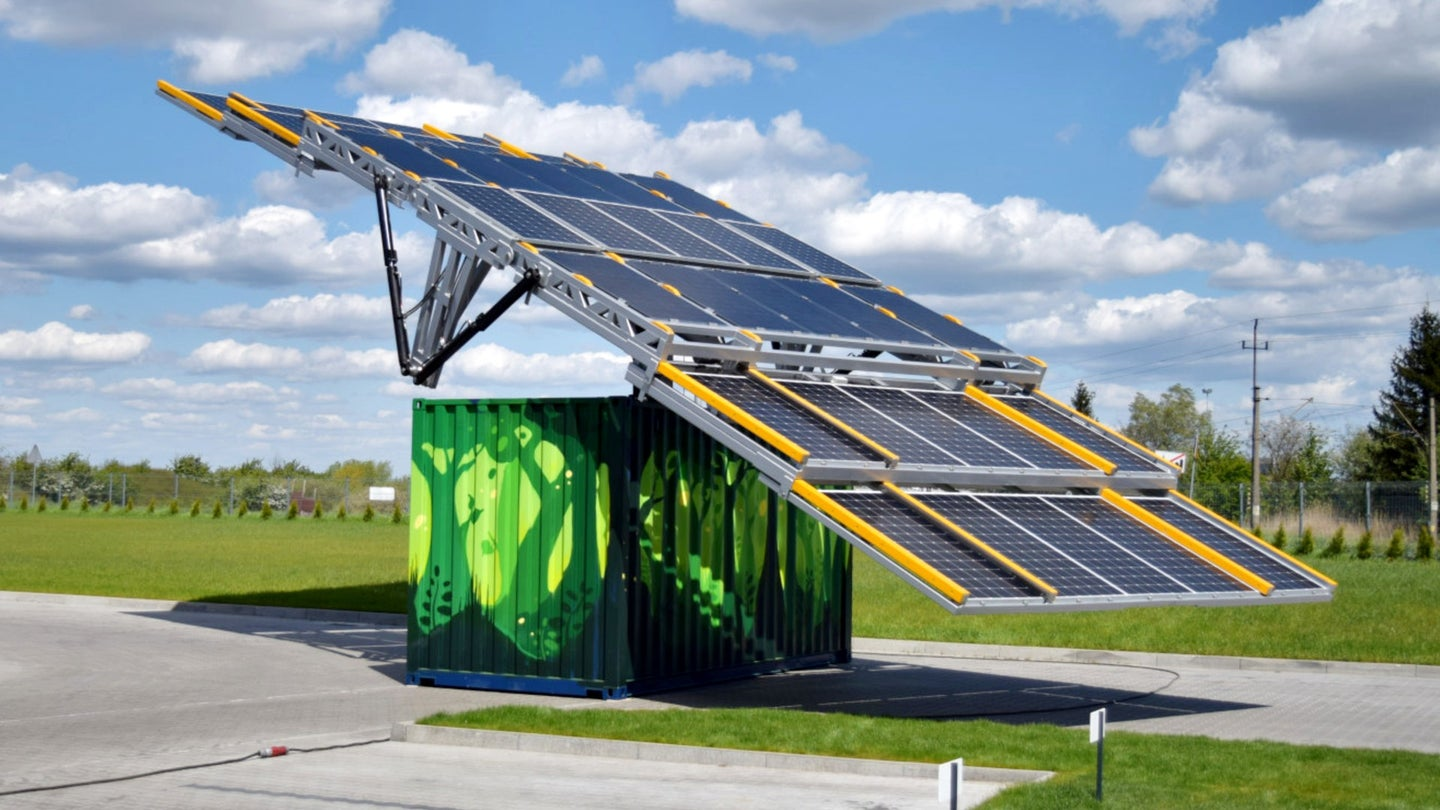 mobile solar container