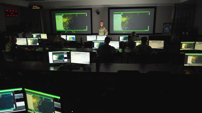 """Das Pentagon experimentiert mit dem Einsatz künstlicher Intelligenz, um """"einige Tage in die Zukunft zu sehen"""""""